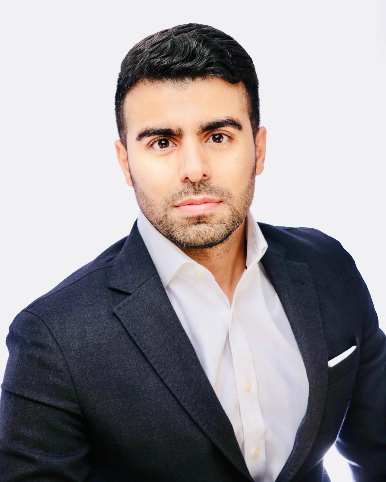 Alex Bahamin